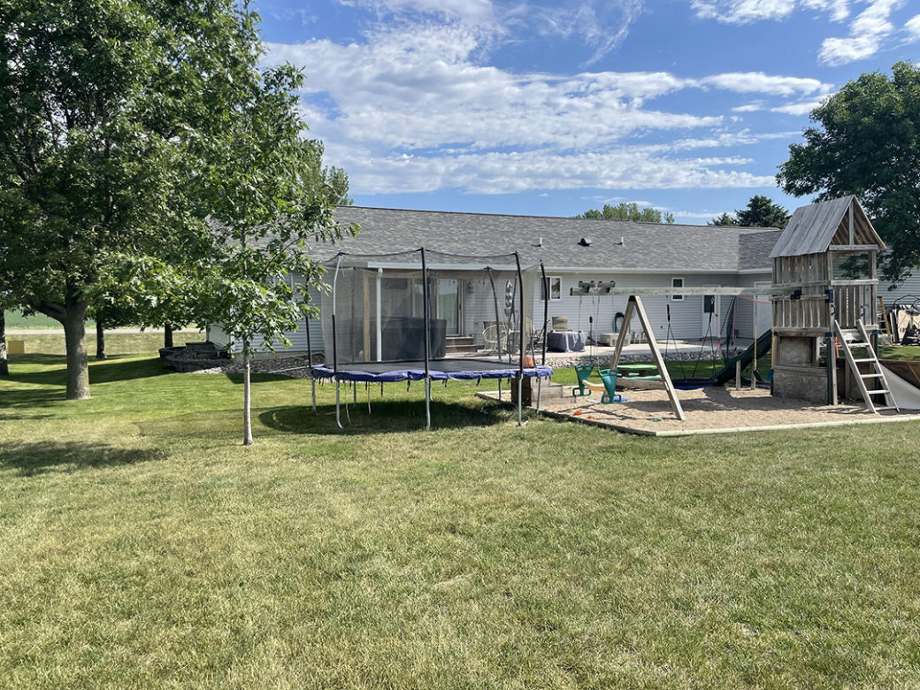 1004 8th Ave SE – Sioux Center IA 51250